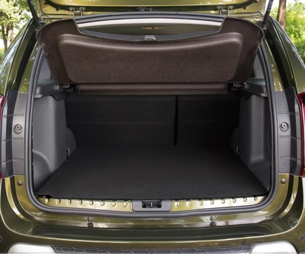 Полка в багажнике теперь твердая. источник: auto.mail.ru