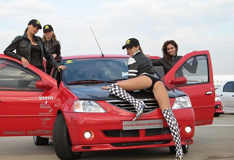 renault-duster-girls-photo-26