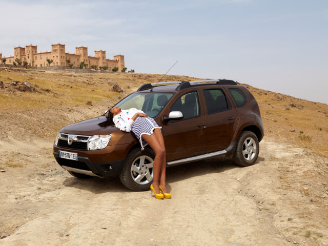 renault-duster-girls-photo-7