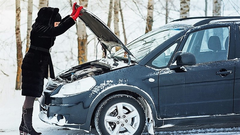 фото женщины и машины