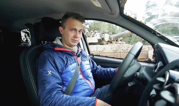 reno-daster-protiv-tanka-video-4