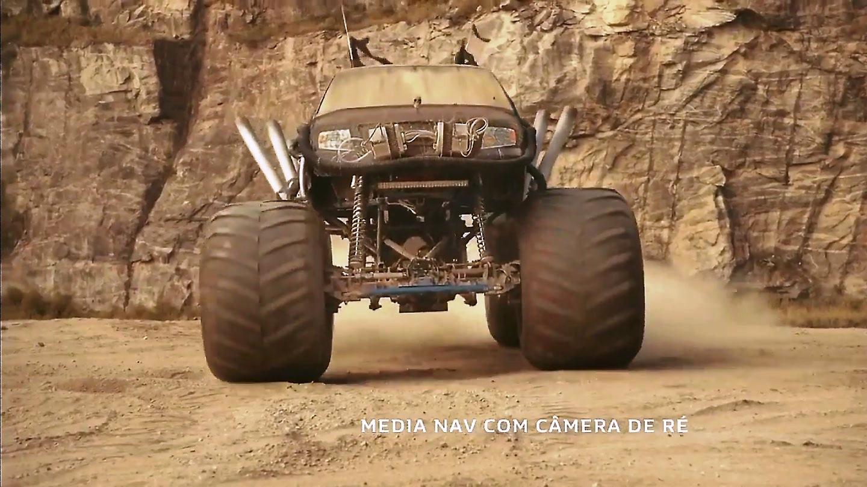 renault-duster-vs-monster-trucks-2017