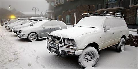 фото замерзшего автомобиля
